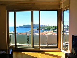 Vladislav Lux apartment with sea view