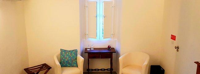 Espaço de lazer no quarto duplo Space for readding in the double room