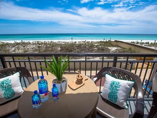 Island Echos Beachfront 2BR with heated pool, tennis, shuffleboard, and gym!