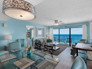 3BR Condo with Master Bedroom on the Gulf, Private Balcony Free WiFi Quiet East