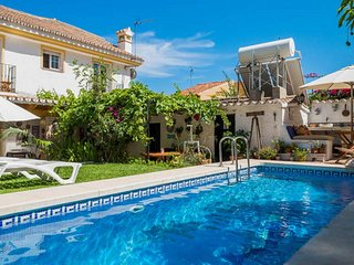 Villa B&B para Grupo con piscina cerca de la playa