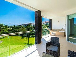 Ocean View  Apartment Beach Accesible 2 bedroom 2 bath  sleeps 4 Casa Quetzal