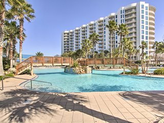 NEW! Palms of Destin Condo w/ Pool, Walk to Beach!