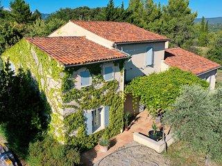 Villa con aire acondicionado en Mormoiron, Mont Ventoux, piscina, se permiten ma