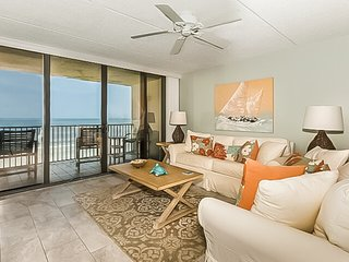 NEW LISTING! Spacious oceanfront condo w/ balcony, shared pool & beach access!