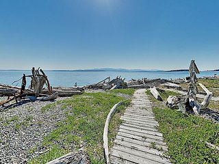 Puget Sound Gem in Coupeville w/ Private Beach & Immaculate Sunsets