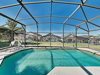 Peaceful Retreat w/ Private Lanai Pool - Near Disney, Universal & SeaWorld!