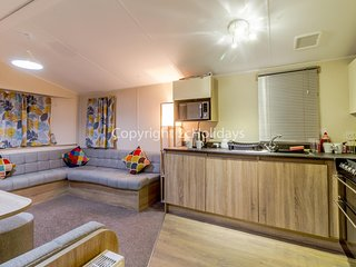 Diamond rated caravan for hire at Southview Holiday park Skegness ref 33010TB