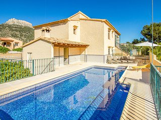 Amazing home in Calpe with 5 Bedrooms (EBL721)