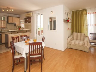 Holiday home 142461 - Holiday apartment 223656