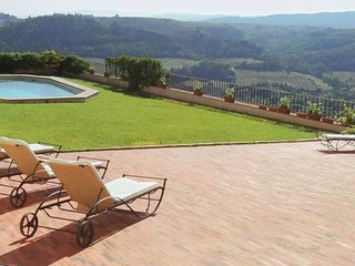 Tuscan Castello sleeps up to 20. Private pool.