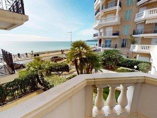 Magnifique 2P plein centre vue mer et terrasse