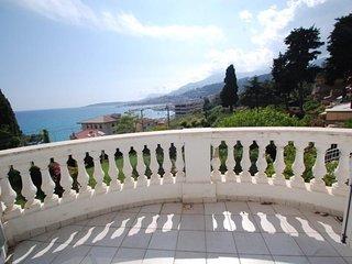 Beau 2P avec vue mer parking prive et terrasse / jardin
