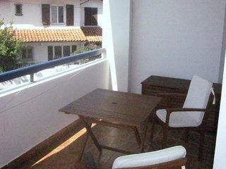 Endaia 2A -  Bien moderne avec balcon en centre ville