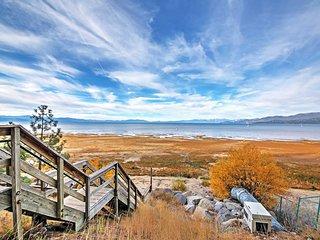 South Lake Tahoe Lake House, 3-Block Walk to Shore
