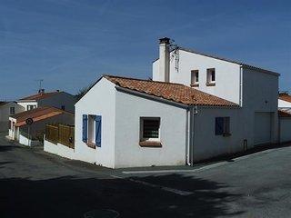 Dans le village, a 3km de la plage de sables fins, Maison avec 3 chambres et