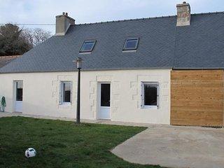 Maison bretonne renovee, exposee plein sud avec jardin et terrasse  LANNION