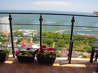 Pearl in Arcadia terrace apartment with direct sea view