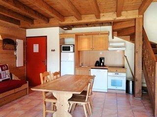 1/2 chalet 2 chambres pour 6 avec cheminee, terrasse et vue degagee a Pra Loup