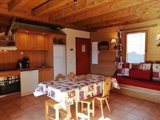 Spacieux 1/2 chalet pour 6, situé dans un hameau typique montagne à Pra Loup