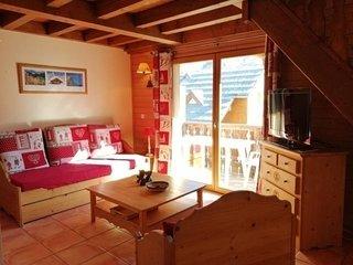 Beau duplex 6 pers, balcon sud et belle vue sur les montagnes, à Pra Loup