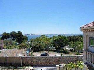Jolie villa au calme avec une vue sur l'étang