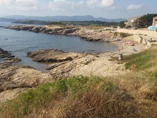 Joli studio a Six Fours Les Plages 100m de la plage - Acces direct
