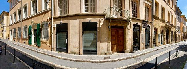 vue rue  èrsextius. location appartement aix-en-provence. location appartement de vacances à aix