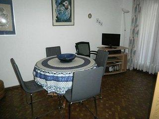 Appartement F2 dans residence avec piscine, parking prive et court de tennis