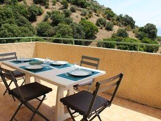 AJACCIO - Agreable appartement avec terrasse vue mer F3-275