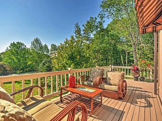 Peaceful 2BR Rockport Townhome w/Private Deck