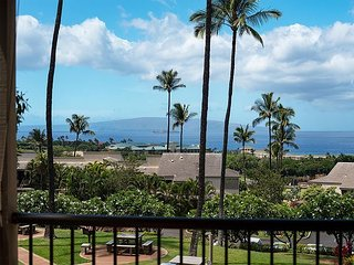Sweeping Ocean Views, Private, Upscale Tropical Wailea 2-Story