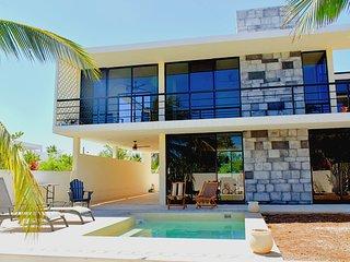 NEW MODERN AND STYLISH BEACH HOUSE!