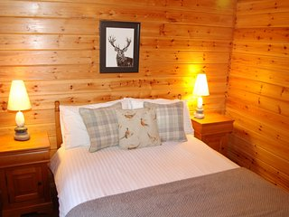 Cosy Rowan (3) woodland lodge by Killin, Loch Tay