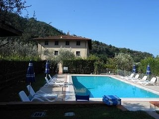 Holiday apartment Aurora with big pool near Versilia beaches