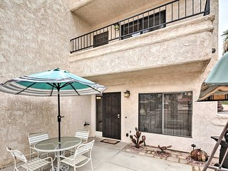 Townhome with Pool Access - 1 Mi to Crazy Horse!