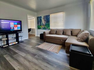 Remodeled Modern Private near LA & OC destinations