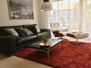 SaarPartments XL- Fully Equiped, Stylish 2Bedroom- Kitchen- Balcony Apt.