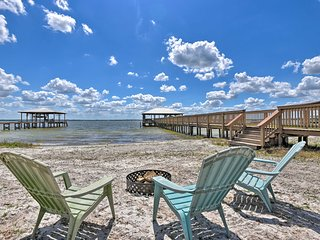 NEW! Luxe Lake Weir Beach Retreat w/ Private Dock