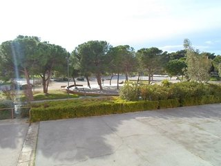F1 situé sur le Parc Charles de Gaulles