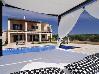 Villa con piscina privada, BBQ, pista de tenis,Gym .Desinfección profesional