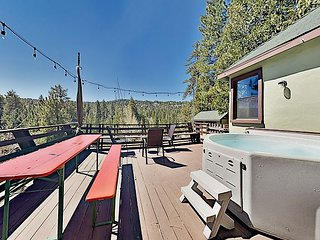 Incredible Restored Vintage Cabin w/ Mountain Views & Hot Tub, Walk to Lake