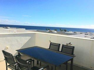 Terraza con vistas al mar.