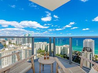 5 ⭐️ AMENITIES Luxury 2BR. FRONT Ocean & Bay VIEW