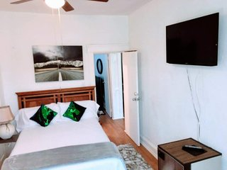 West New York Apartment Sleeps 4 with Air Con and WiFi - 5822543