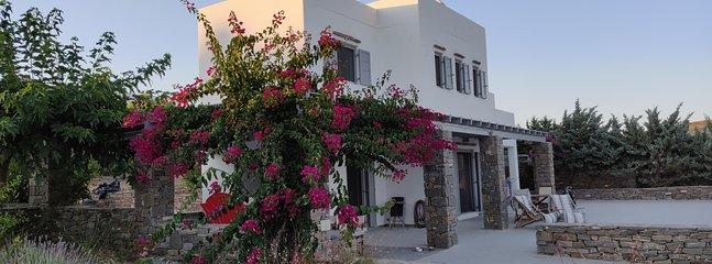 Villa Ariadni Paros, holiday rental in Isterni