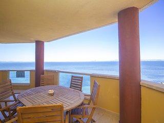 Impressive Beach apartment