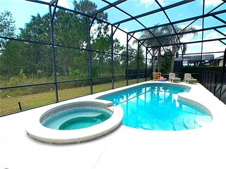 South Facing 4 Bed, 3 Bath, private pool & spa