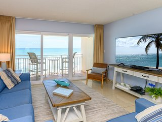 Penthouse - Direct Oceanfront with Plasma TV's In every room