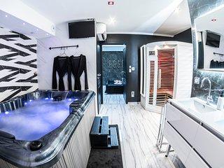 Espace Bien-être privatif, Spa, Sauna, douche tropicale....